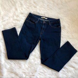 EUC | Levi's Mid-Rise Skinny Jeans